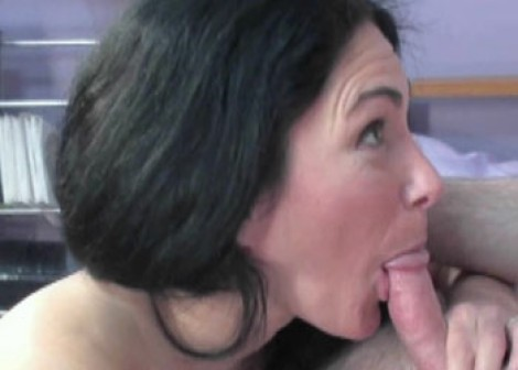 Exotic milf naomi shah is playing with her sweet pussy - 2 8